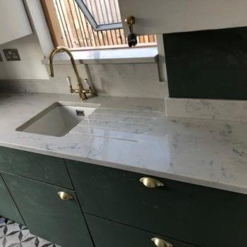 kitchen carara quartz worktops and splashbacks