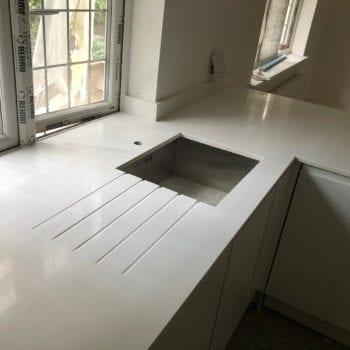 pure white kitchen worktops