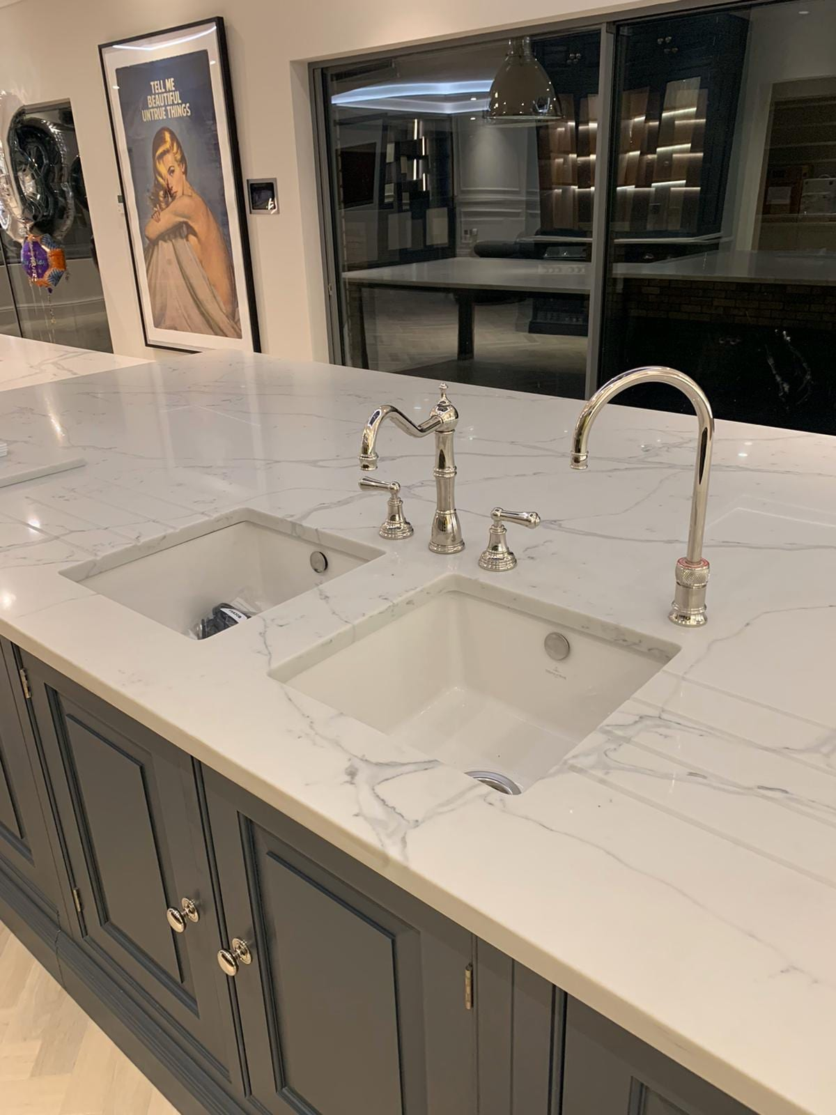 grey white quartz worktops